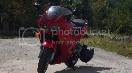 http://i898.photobucket.com/albums/ac186/BikeWarrior17/My%201999%20Honda%20VFR800FI/043.jpg